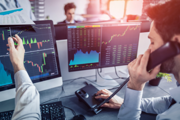 traders buying energy